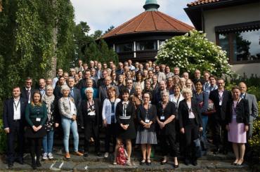 Symposium geenien ja ympäristötekijöiden yhteisvaikutuksesta kansantaudeissa